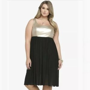 Torrid Black & Gold Sleeveless Formal Dress